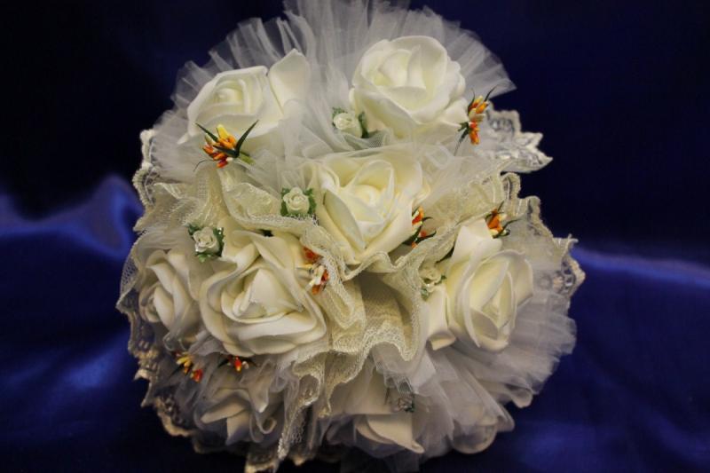 """Букет """"Тройняшка"""" с латексными  розами айвори арт. 020-203"""