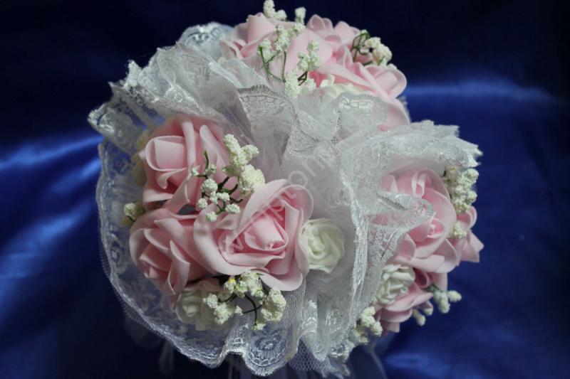 """Букет """"Тройняшка"""" с розовыми и белыми латексными розами и белым кружевом арт.020-207"""
