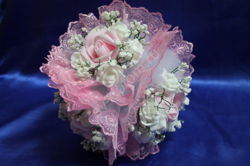 """Букет """"Тройняшка"""" с розовыми и белыми латексными розами и розовым кружевом арт. 020-205"""