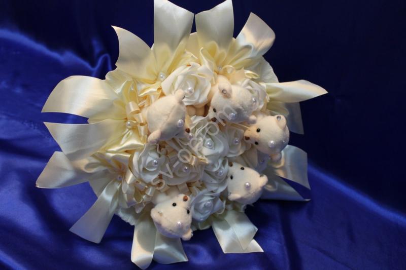 Букет айвори с мишками и латексными розами айвори арт. 020-044