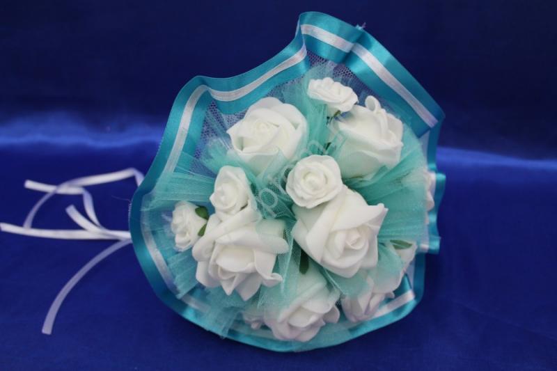 Букет латексный с белыми розами и бирюзовым фатином арт. 020-270