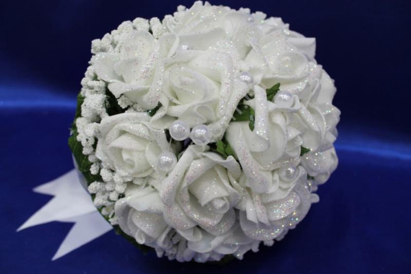 Букет латексный с белыми розами, жемчуг арт. 020-177