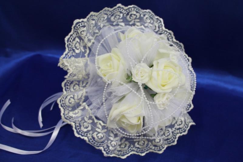 Букет латексный с розами айвори и жемчугом арт. 020-269