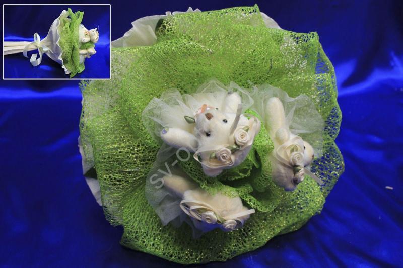 Букет с большим зеленым цветком и мишками арт. 020-086
