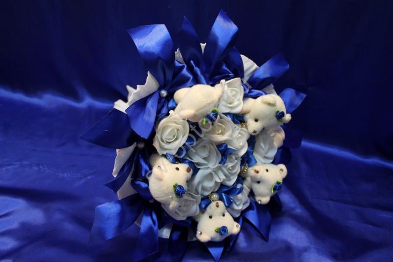 Букет синий с мишками и белыми латексными розами арт. 020-041