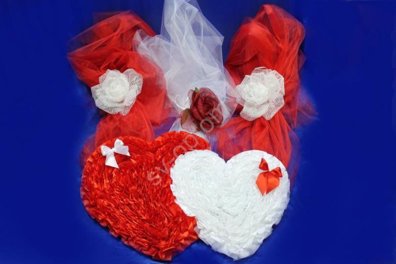 Двойное сердце красно-белое с большими цветами на фатине арт.120-077