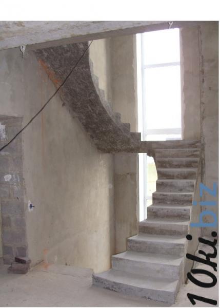 Монолитная полнотелая лестница с площадкой купить в Братске - Лестницы с ценами и фото