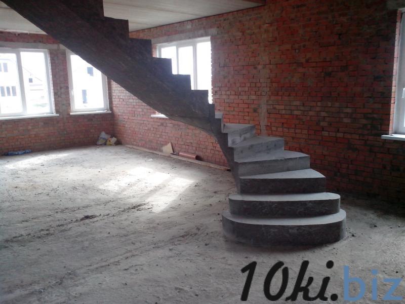 Монолитная полнотелая лестница с забежными ступенями купить в Братске - Лестницы с ценами и фото