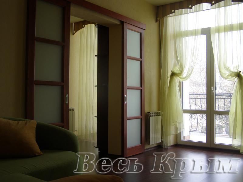 45  Аренда Ялта: 2-х комнатные  апартаменты 2эт  ул Игнатенко  рядом с Набережной  Жилье для отдыха в Ялте