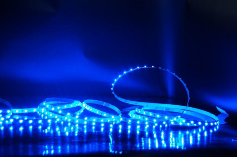 СТАНДАРТНАЯ СВЕТОДИОДНАЯ ЛЕНТА 2835 60LED IP33 12V/4,8W синяя (арт.0-66)