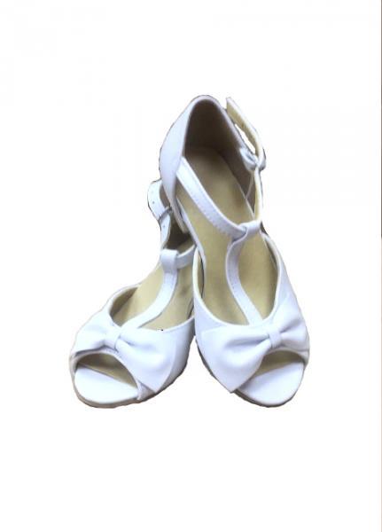 НОВИНКА !!!   Туфли стандарт белые с бантиком