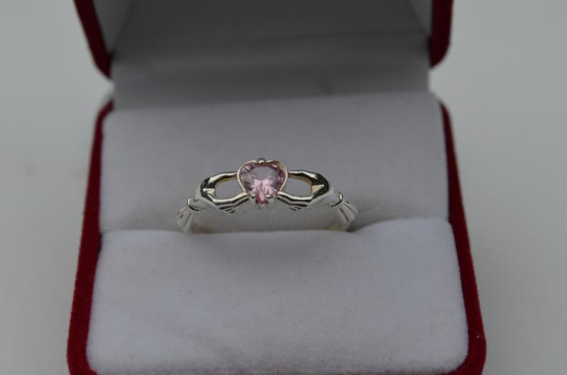 Фото Кольца Серебряное кольцо  Сердце