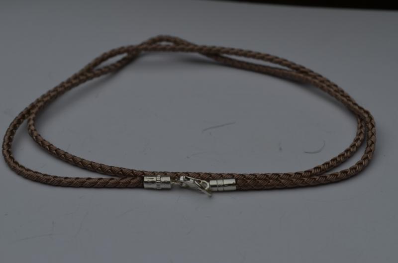 Фото Браслеты кожа,каучук,шёлковые шнуры - со вставками Шёлковый шнур плетёный Милан ,с серебряными концевиками