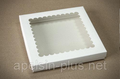 Фото Подложки,коробки,салфетки и бумажные формы для тортов,кексов и пряников Коробка для пряников с окошком 21 см 21 см 3 см