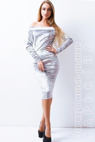 a93bab372e4 ... Велюровое платье