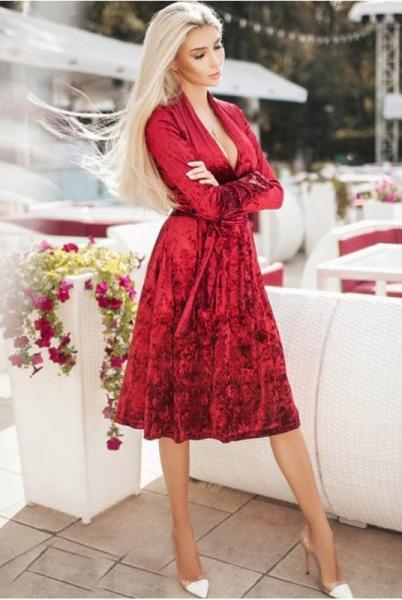 Фото Новинки Велюровое платье Даниэлла