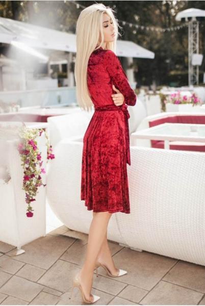 Велюровое платье миди Даниэлла бордовое