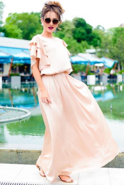 Длинное шелковое платье  Шерлиз бежевый