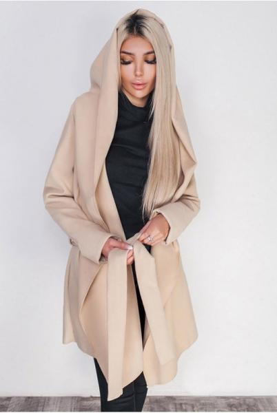 Женское пальто с капюшоном Лагерта молочное