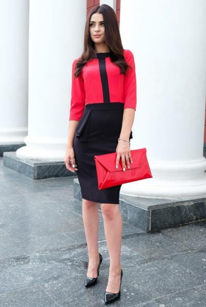 """Платье с баской """"Биатрис"""", красное"""