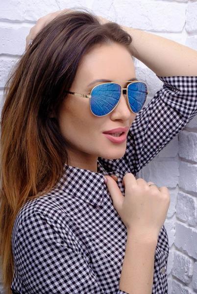 Солнцезащитные очки Ray-Ban 8027