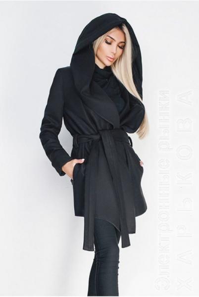 2ed94f29e13 Черное короткое пальто Лагерта - Пальто женское купить с фото и ...