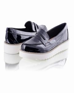 Фото  Лаковые туфли на платформе