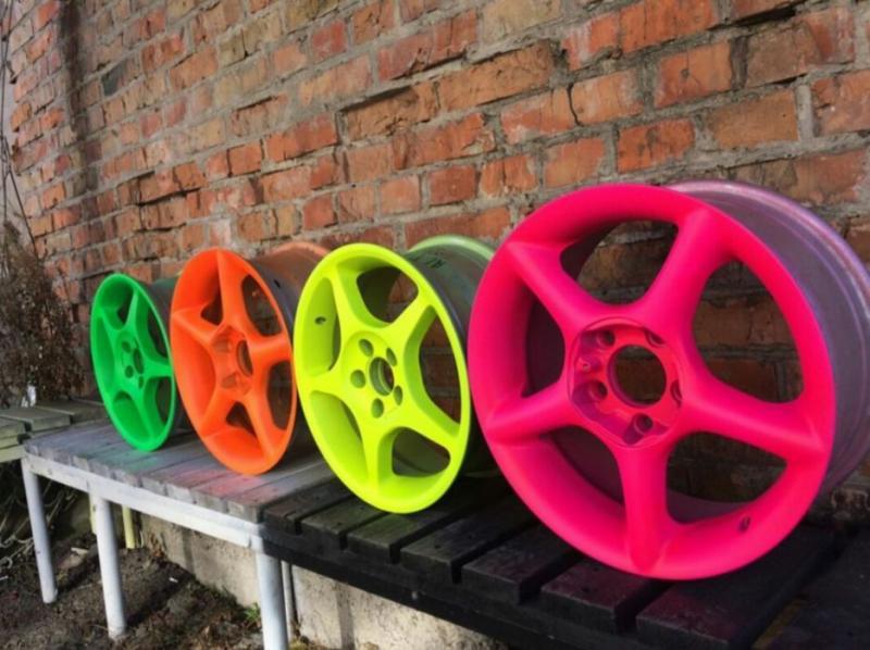 Яркая флуоресцентная краска для тюнинга авто