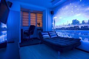 Фото Флуоресцентная краска и пигменты, светятся под воздействием УФ источника Флуоресцентная краска для банеров и оракала