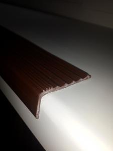Фото  Резиновые антискользящие накладки на ступени