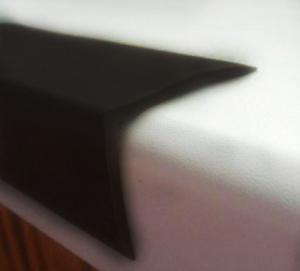 Фото  Резиновый уголок (40х30х2 мм)