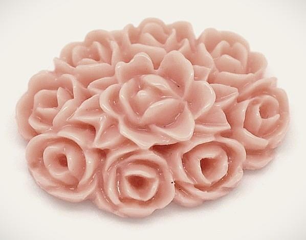Фото Серединки ,кабашоны, Кабашоны, камеи Кабашон  18 * 13 мм.  акриловый  в пепельно - розовых  розах.
