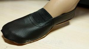 Фото Чешки балетки обувь для танцев гимнастики хореографии оптом Чешки черные тапочки гимнастические оптом