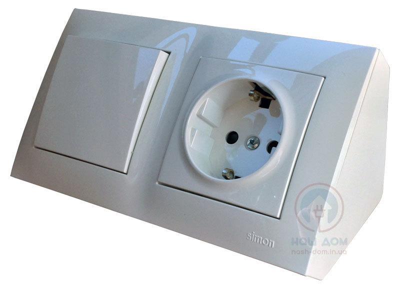 Угловой накладной блок розеток Simon CornerBox 220В + выключатель