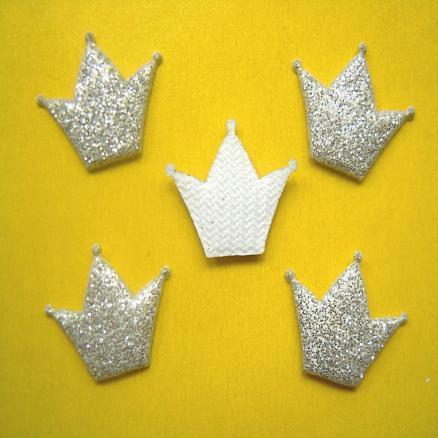 Фото Вязаный  и  тканевый  декор . Корона на тканевой основе 18 х 15 мм.  Серебро , упаковка  20 шт.