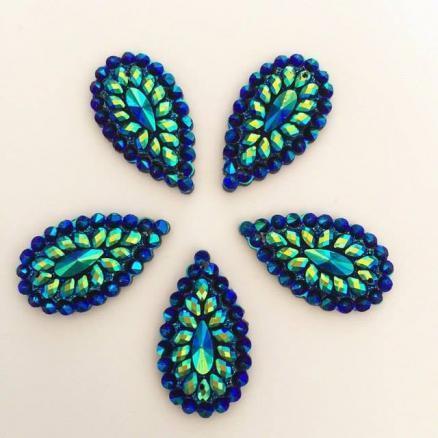 Фото Серединки ,кабашоны, Серединки с жемчугом и стразами Кабашон капля гранёная с отверстиями 16 х 28 мм.   Синего  цвета.
