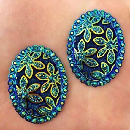 Кабашон с имитацией страз узором и рисунком цветы 30х40мм синий