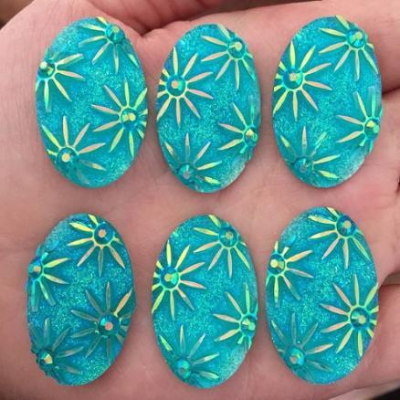 Кабашон голубой 20 х 30 мм, с звездами ,красиво переливается