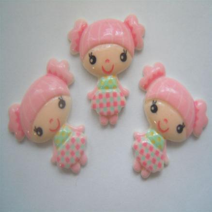 Кабашон куколка с хвостиками 21х22мм  розовая