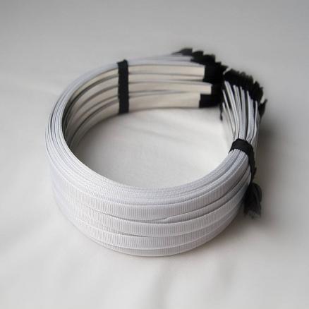 Заготовки- обручи металл белый обклеен репсовой лентой, 0,6 см