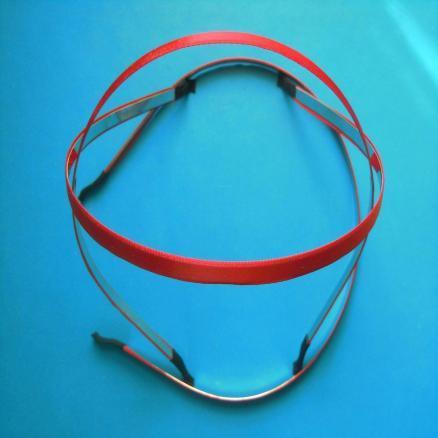 Обруч  металический  обклеен   Красной  атласной  лентой  0,6 см.