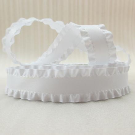 Фото Ленты,  Декоративные  тканевые  ленты . Лента декоративная 40 мм. Белого цвета с рюшей.