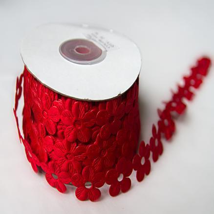 Фото Кружево ,тесьма ,сетка,резинка, Тесьма цветочная Тесьма  ромашка  красная  18 мм .