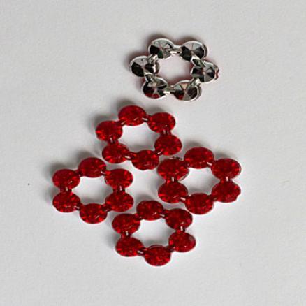 Фото Бусины ,полубусины ,стразы,.цветок.шина, тесьма пластик Стекляный   цветочек без серединки   красного  цвета.  Диаметр цветочка - 12 мм.