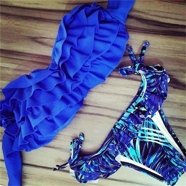 "Купальник бандо с чашками ""Синий с рюшами"" размер S, M, L"