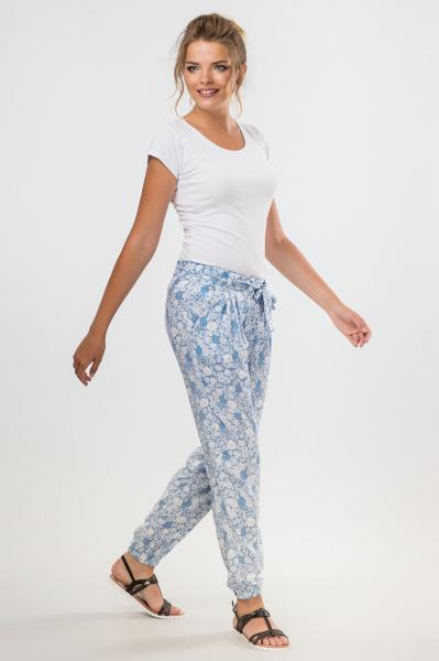 Голубые летние брюки