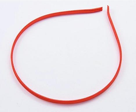 Обруч  металический  0,5 см.  обтянут Красным  атласом , прошитый из нутри.