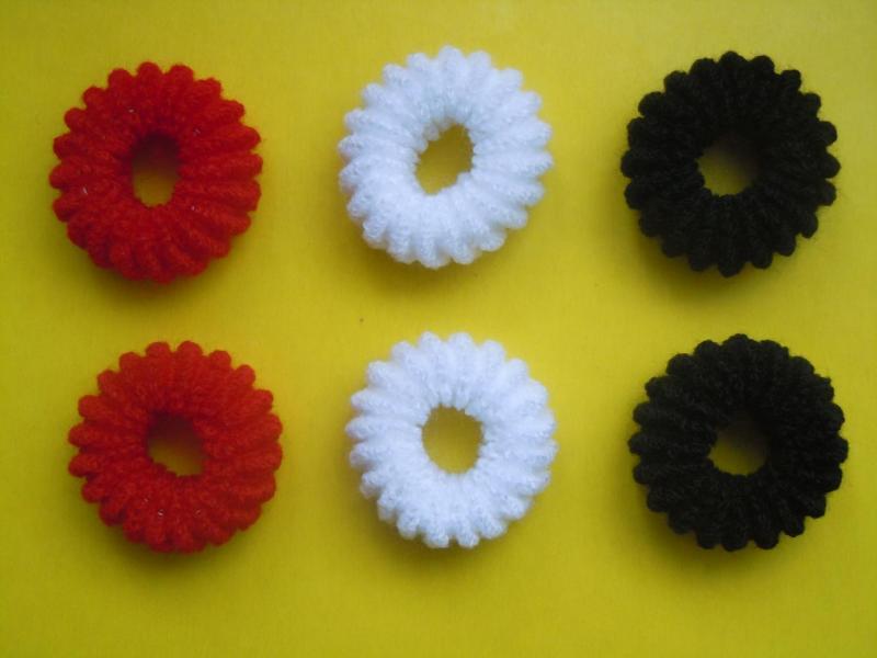 Резинка  Калуш   махровая , большая , ребристая   Красного , Белого , Чёрного  цвета   3,7 *  1,7 см.