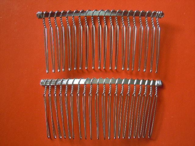 Гребешок металический 7,8 см. *  3,7 см.
