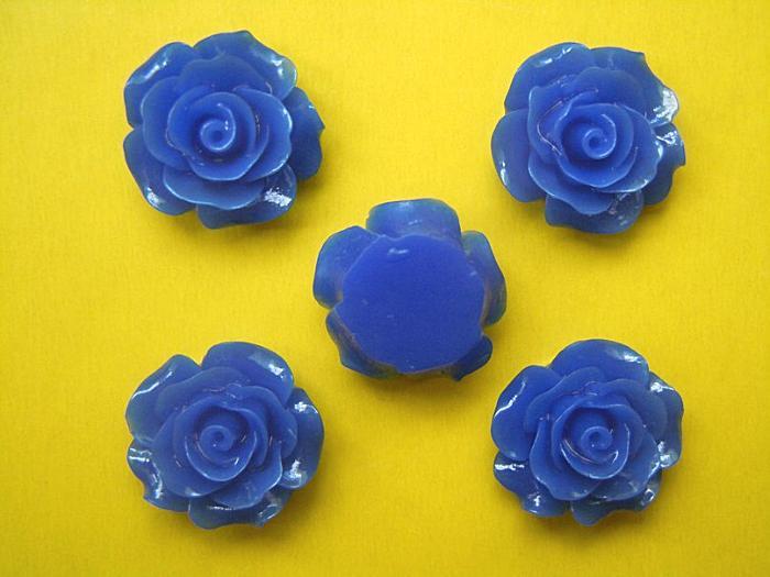 Кабашон  .  Роза  акриловая   Синего  цвета  19 - 20 мм.
